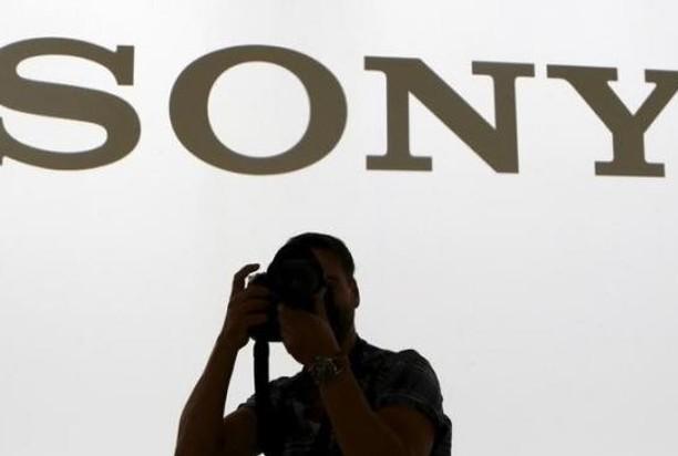 ソニー、5年ぶり黒字 スマホ赤字を圧縮 - LINE NEWS
