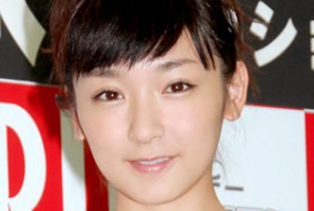 加護亜依、復帰に向けボイトレ - LINE NEWS LINE NEWS iPhone Andr