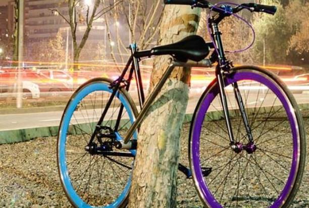 世界初の盗めない自転車」が ...
