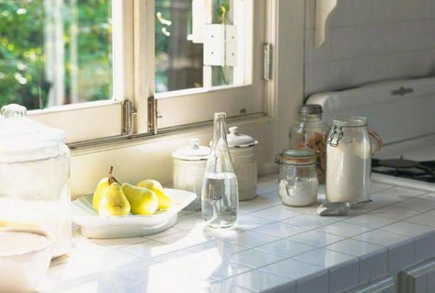 キッチンから悪臭が…生ゴミのにおいを簡単に消す方法